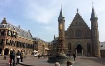 Pátio interno do Binnenhof e o Ridderzaal