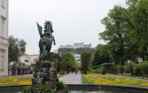 O Castelo de Salzburgo visto do Schloss Mirabell