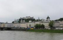 Castelo de Salzburgo e o Centro Histórico vistos da ponte
