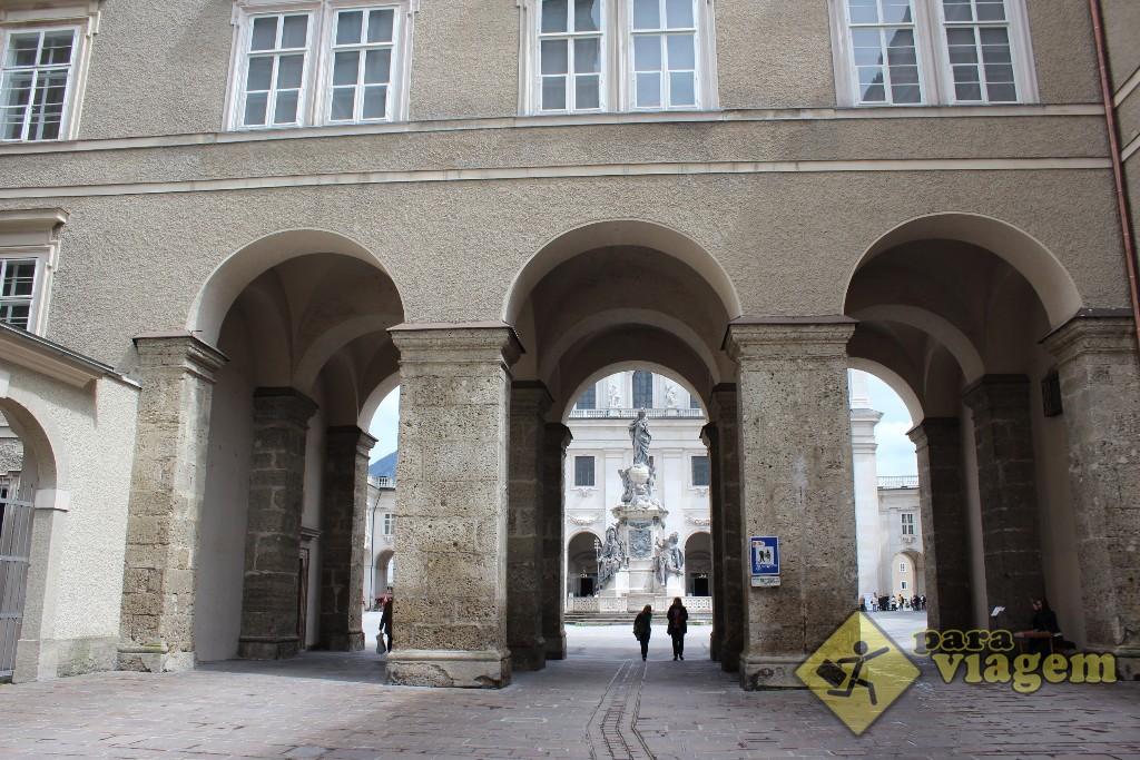 Arcada de acesso à Domplatz vindo da Franziskanerkirche