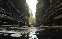 Nadando até a cachoeira do Buracão