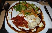 Salada de Entrada no Jantar Especial