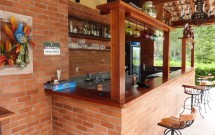 Bar ao Lado da Piscina
