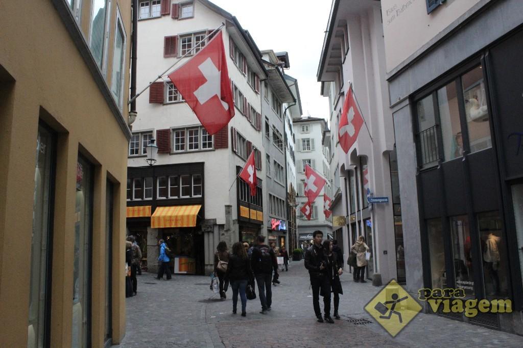 Rua da cidade antiga de Zurique