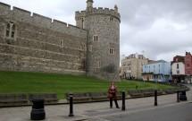 Castelo de Windsor (em frente a estação de trem)