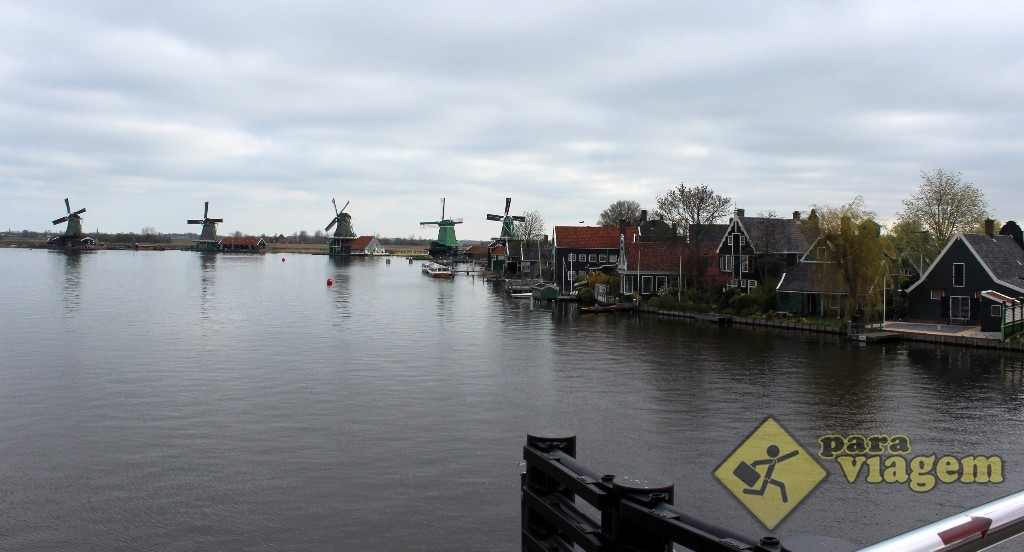 Zaanse Schans visto da ponte sobre o Rio Zaan