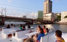 Passeio de Catamaran pelo Rio Capibaribe