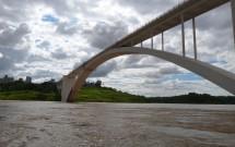 Ponte da Amizade Vista do Rio Paraná