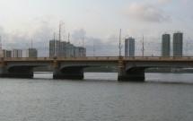 Ponte no Rio Capibaribe Vista do Catamaran