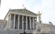 O belíssimo Parlamento de Viena
