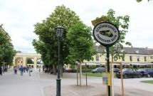 Ponto de partida do trem, perto da entrada do palácio