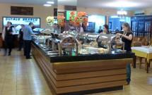 Buffet Variado da Churrascaria Búfalo Branco