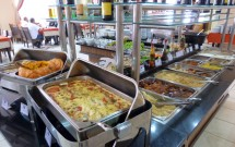 Pratos Quentes do Buffet na Churrascaria Premium