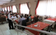 Ambiente Amplo e Climatizado da Churrascaria Premium