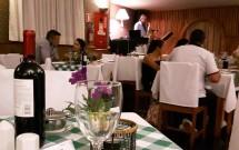 Ambiente com Música Ao Vivo no Jantar Noite Italiana