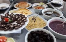 Mesa de Sobremesas do Restaurante Porto Kattamaram