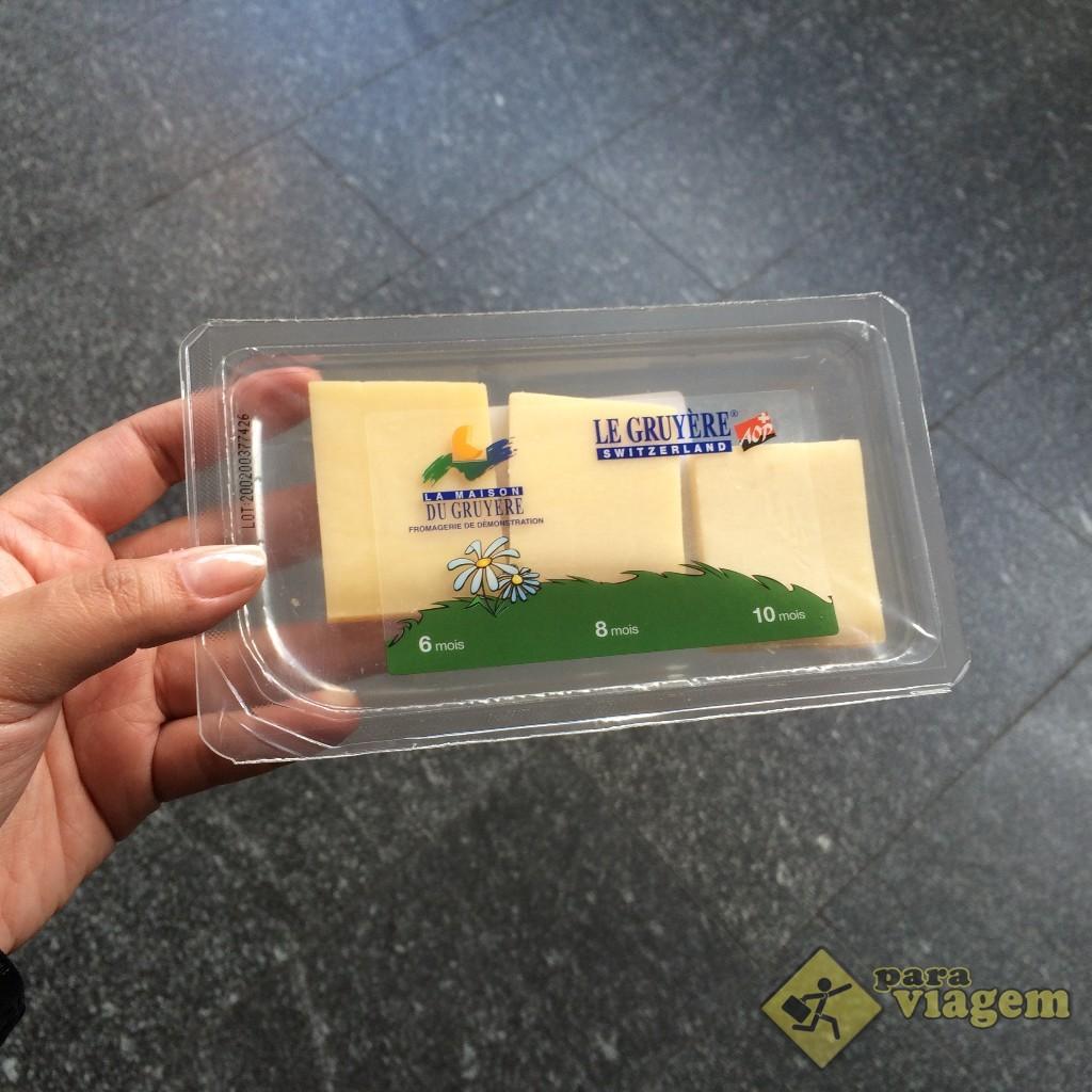3 amostras de queijo Gruyères