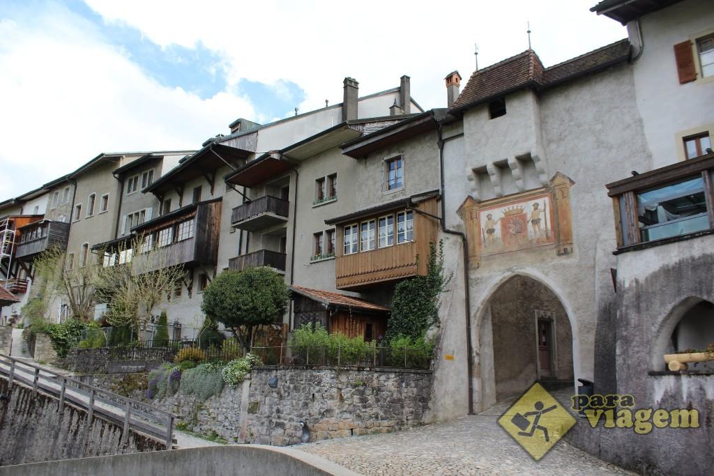 Entrada lateral do vilarejo