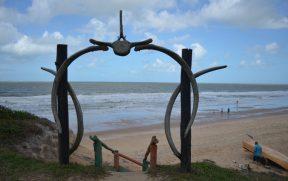 Descida para a Praia de Costa Dourada
