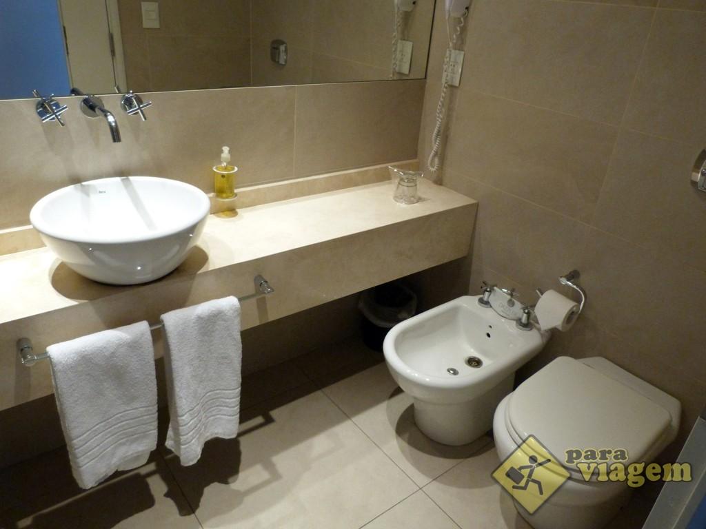 Banheiro do Dazzler Hotel Recoleta
