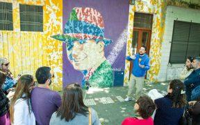 Blogueiros de Viagem Aprendendo Sobre Carlos Gardel