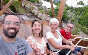 Família no Barco Pirata