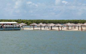 Bar Flutuante na Crôa do Goré