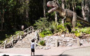 Criança no Vale dos Dinossauros