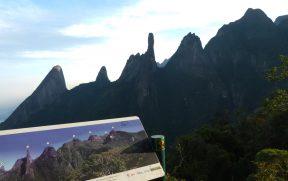 Picos da Serra dos Orgãos Vistos da Trilha Cartão Postal