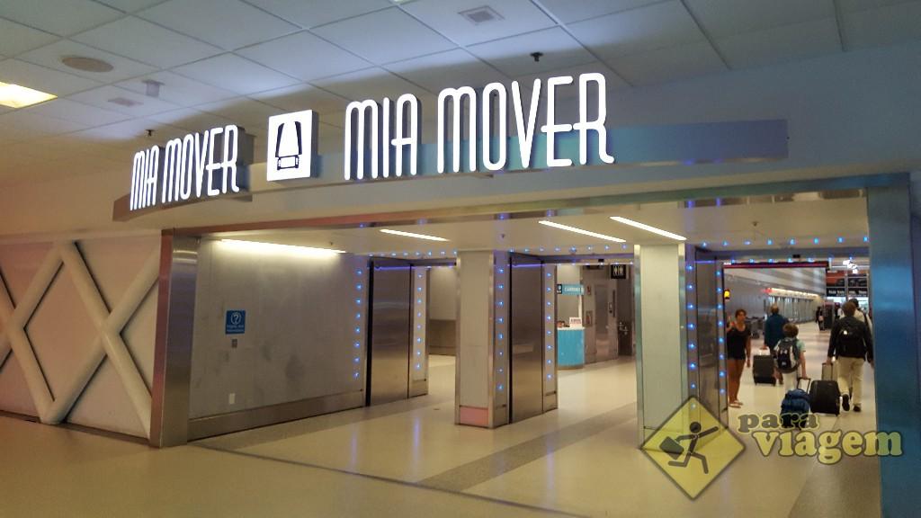 Entrada do MIA Mover no aerporto de Miami