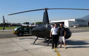 Com o Comandante Nobre ao Lado do Helicóptero