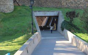 Acesso para a escada rolante de Toledo