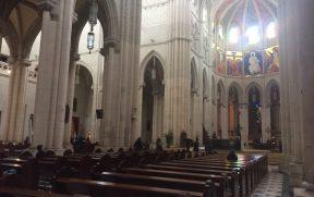 Interior com toques góticos