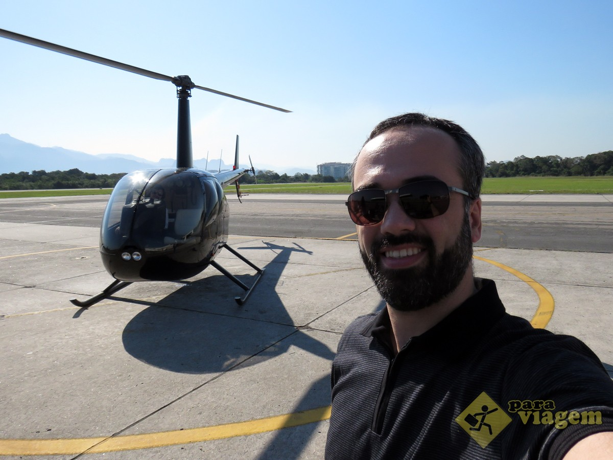 Selfie em Frente ao Helicóptero