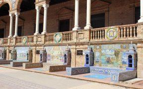 Bancos decorados apresentam 48 províncias espanholas