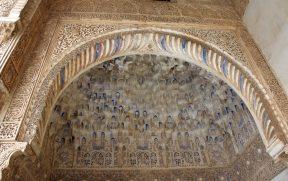 Teto de Moçarabes em Alhambra ainda com restos da pintura