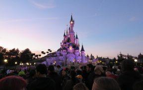 Castelo no Pôr do Sol na Disneyland Paris