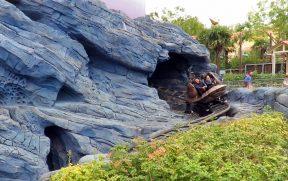Atração Crush's Coaster no Walt Disney Studios