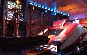 Na Fila do Simulador do Star Wars na Disney Paris