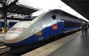 Trem Expresso da SNCF na Estação Gare de l'Est