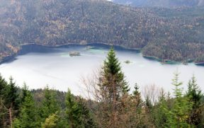 Lago Eibsee Visto do Trem