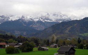 Montanhas Vistas do Trem de Cremalheira