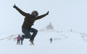 Nevando no Zugspitze com Capela ao Fundo