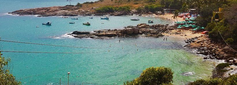 Praia de Calhetas vista do virante da tirolesa