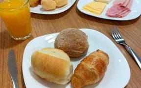 Café da manhã no ibis Paulista