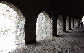 Arcos no final do túnel