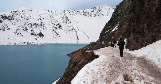 Caminho com neve e gelo