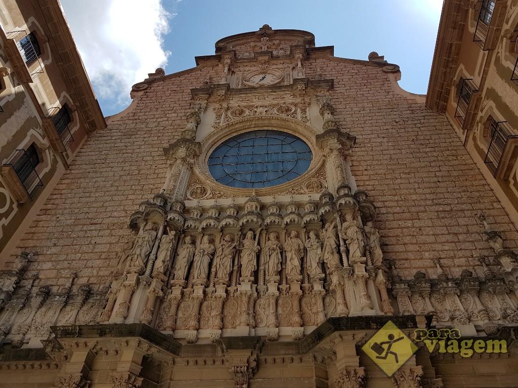 Fachada da Basílica de Montserrat