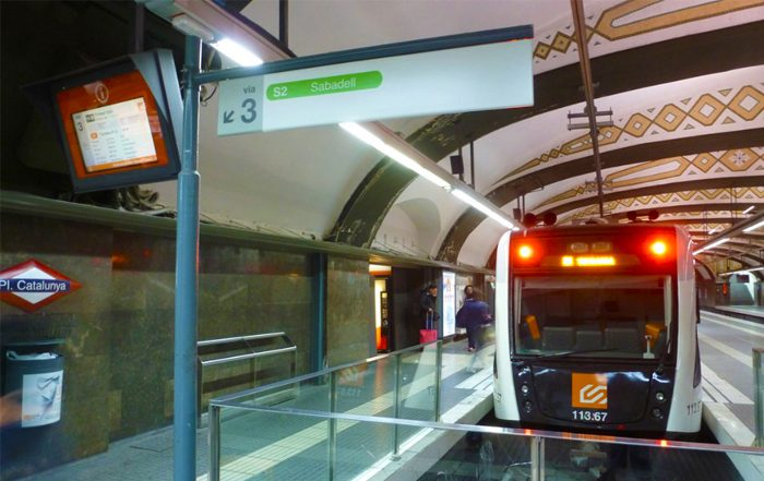 Plataforma do trem da FGC - Pl Catalunya