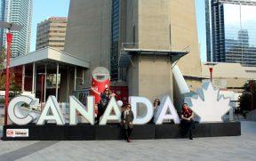 Nós 4 no letreiro do Canadá